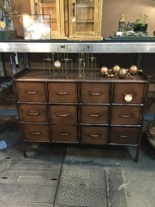 2 - COMMODE LAITON NORDAL